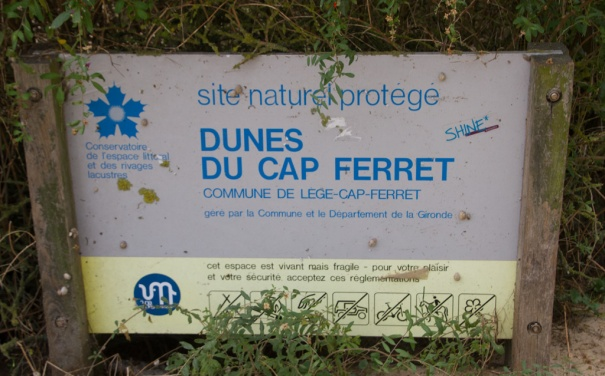 dunes-cap-ferret-sign