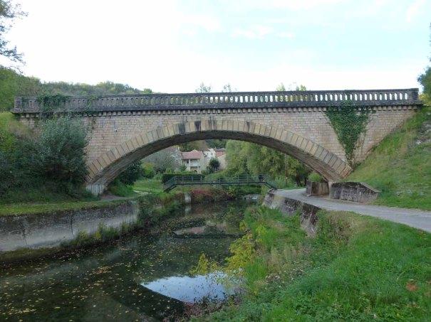 Bridge over the Lot