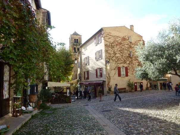 Main square Moustiers