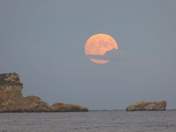 Moonrise over the Medes Islands