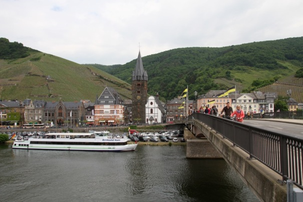 After a quick mosey aroung Kues we crossed the bridge to Bernkastel.