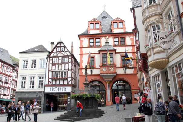 14. Renaissance Town Hall in Bernkastel Market Square.