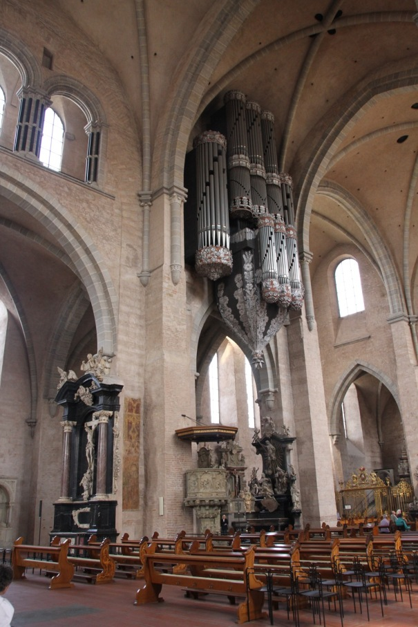 Dom Cathedral organ