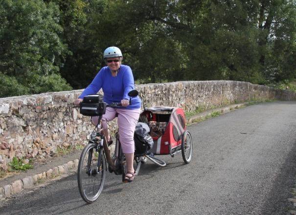 Crossing the Pont Romaine en route to Le Mans.